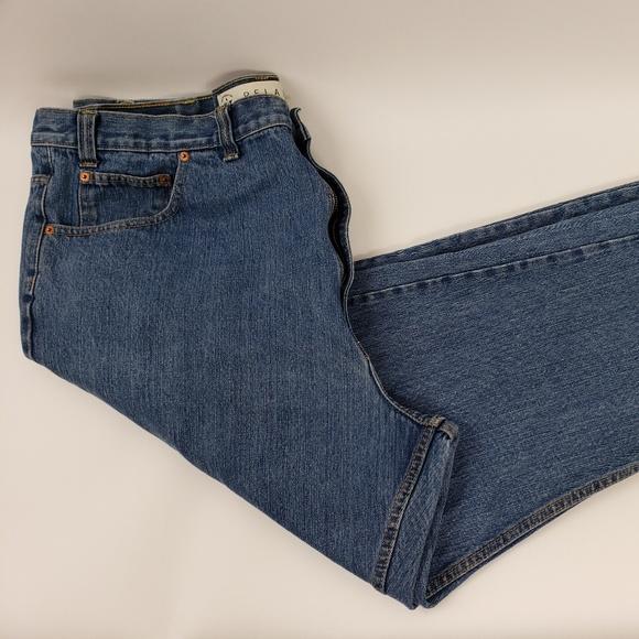Arizona Jean Company Other - Arizona Relaxed Fit Jeans Medium Wash